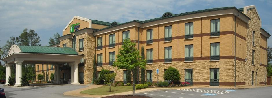 Holiday Inn Express Macon Southeast Corner